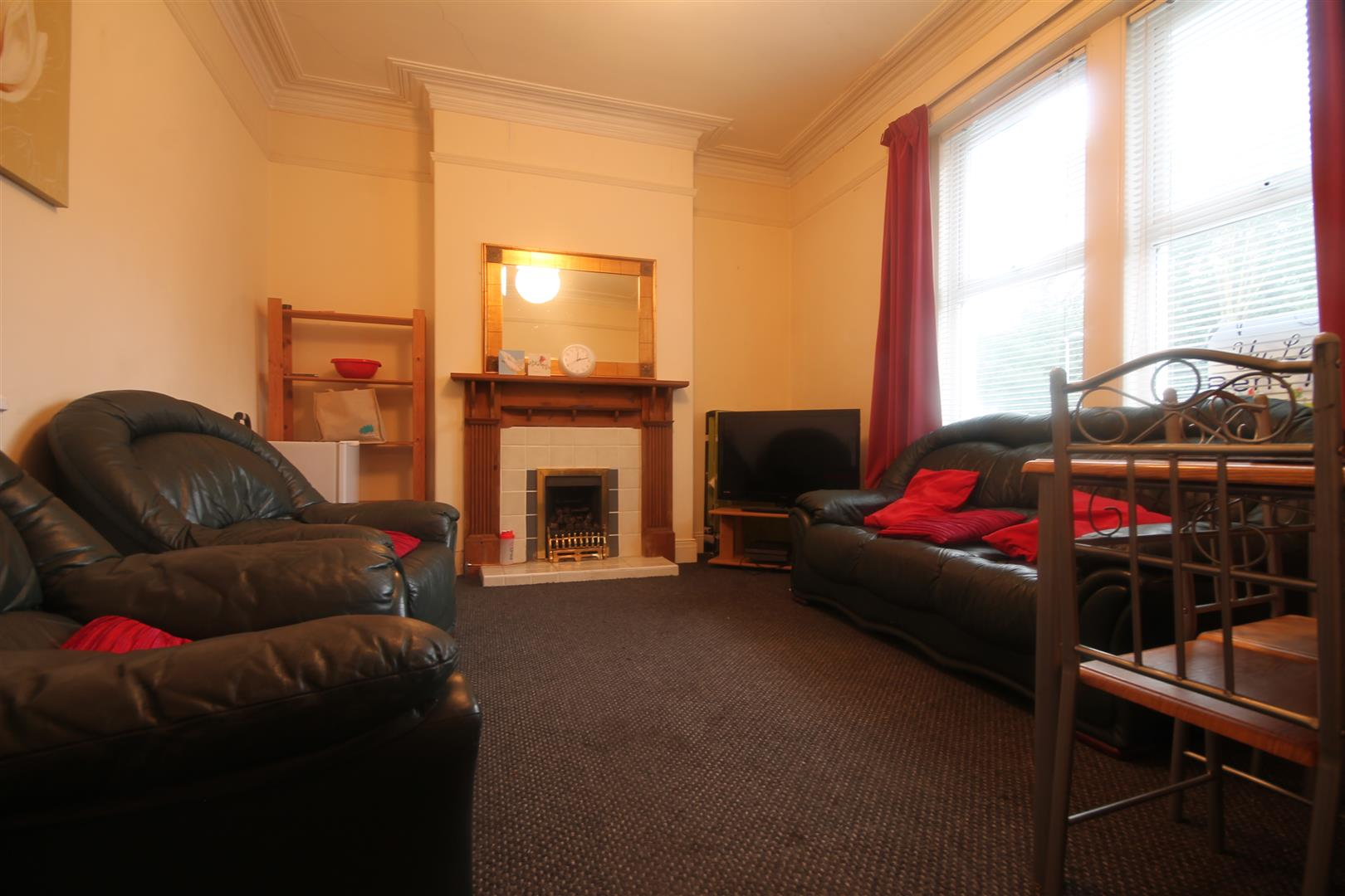 Hunters Road Newcastle Upon Tyne, 5 Bedrooms  House - terraced ,To Let
